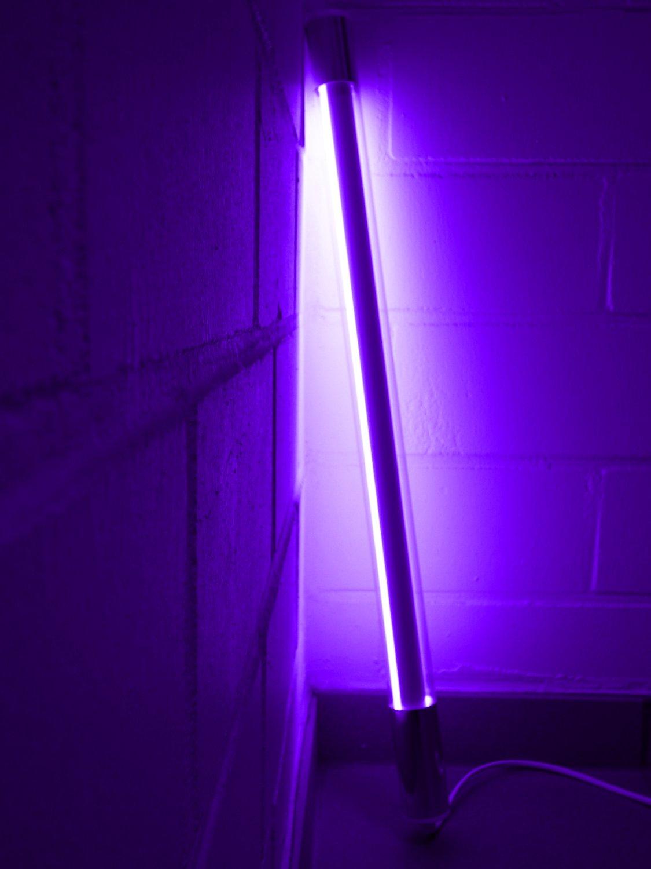 Led Leuchtstab mit Blendschutz KS mit Schalter weiß 230V Party 60cm violett IP20