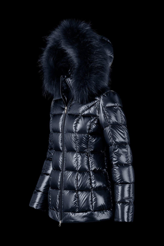 BOMBOOGIE Damen Daunenjacke mit Echtfell (Waschbär) Lack Optik Blau | Fashion House