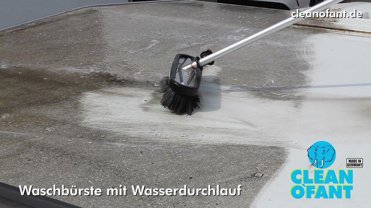 Dach mit Teleskop-Waschbürste reinigen - Wohnwagen, Wohnmobil