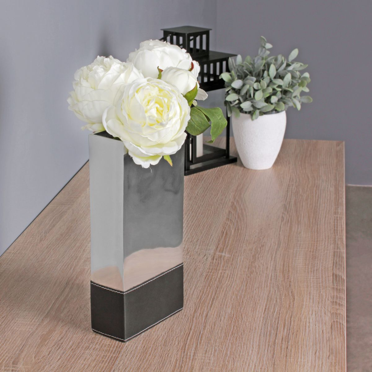 vase aluminium blumenvase gro modern vasen deko metall silber hohe dekovase alu ebay. Black Bedroom Furniture Sets. Home Design Ideas