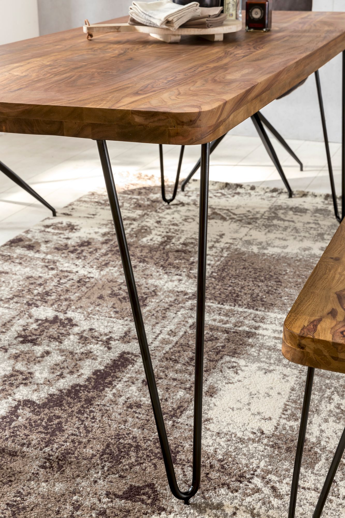 Massiver Esstisch HARLEM Sheesham Massiv Holz | Esszimmertisch ...