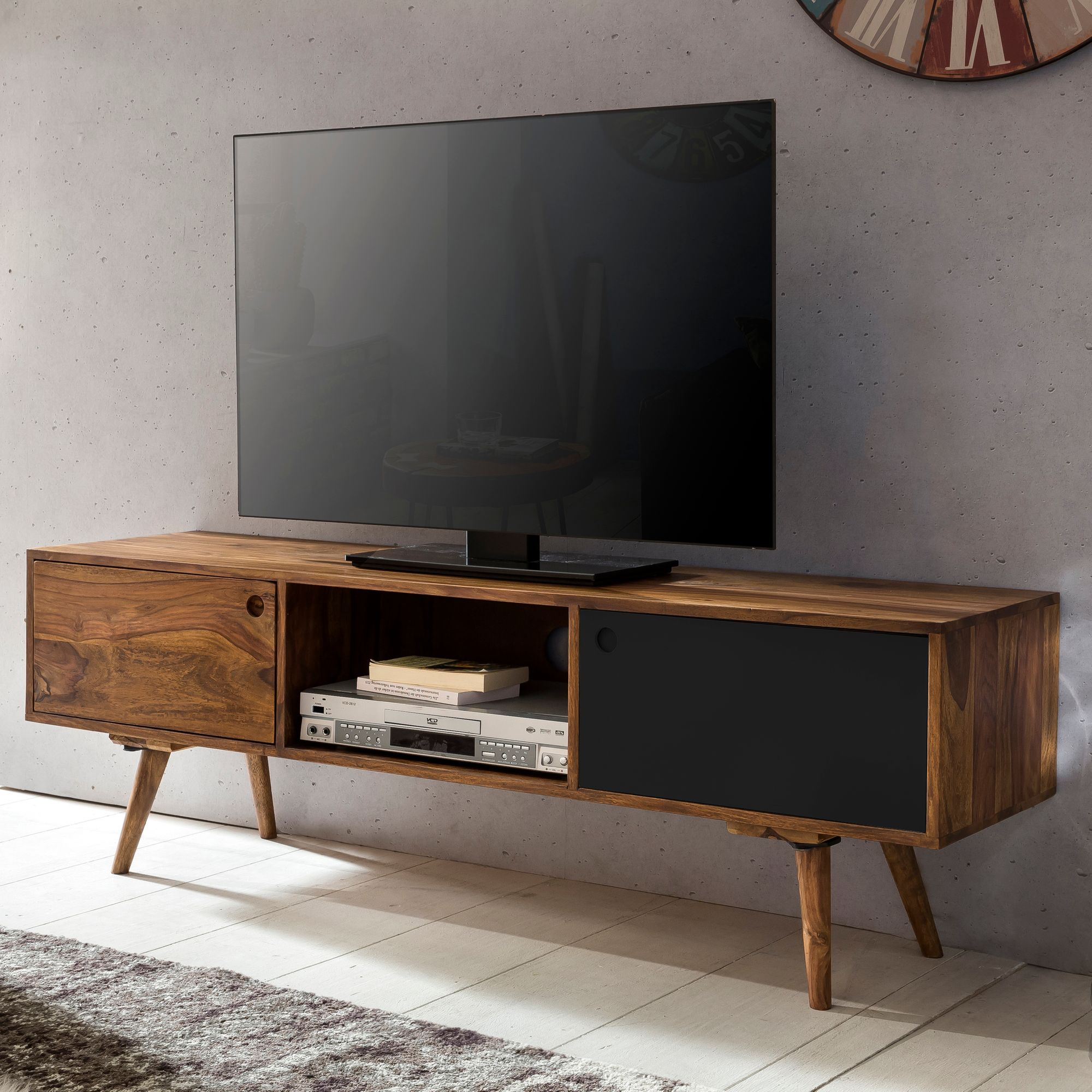 finebuy tv lowboard 140 cm massiv holz sheesham landhaus 2. Black Bedroom Furniture Sets. Home Design Ideas