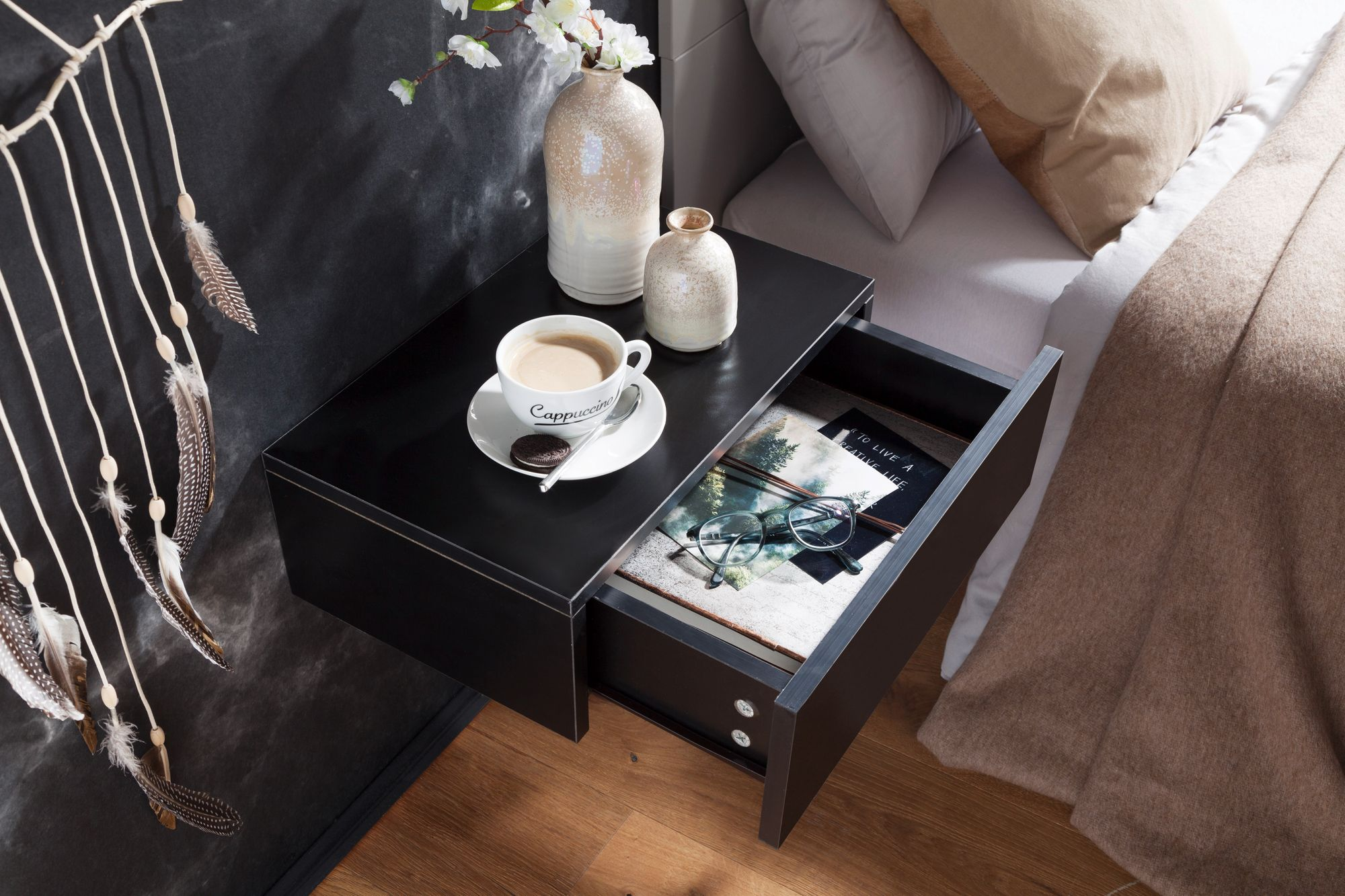 wohnling nachtkonsole dream wand nachttisch schwarz. Black Bedroom Furniture Sets. Home Design Ideas