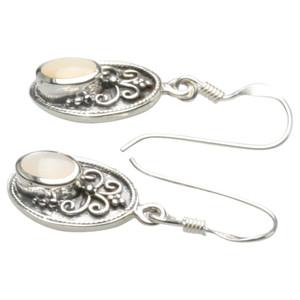 Filigrane Ohrringe aus Silber 925 mit Perlmutt – Bild 2