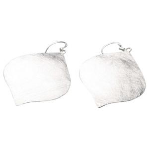 Gebürstete Ohrringe in Tropfenform aus 925er Silber – Bild 2