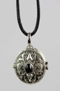 Medaillon Dose als Silberanhänger mit Onyx – Bild 1