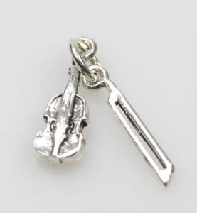 Zarter 925er Silberanhänger Geige mit Bogen