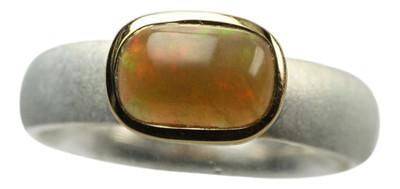 Teilvergoldeter 925er Silberring mit bildschönem Opal besetzt – Bild 1