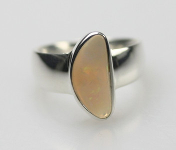 Polierter 925er Silberring mit Opal – Bild 2