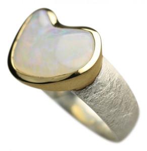 Teilvergoldeter 925er Silberring mit bildschönem Opal – Bild 2