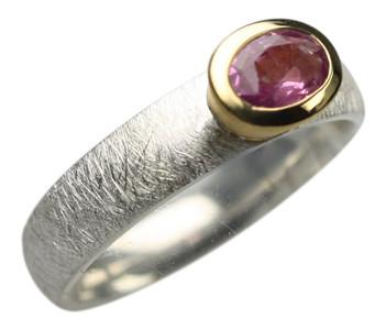 925er Silberring mit zauberhaftem roten Saphir – Bild 2
