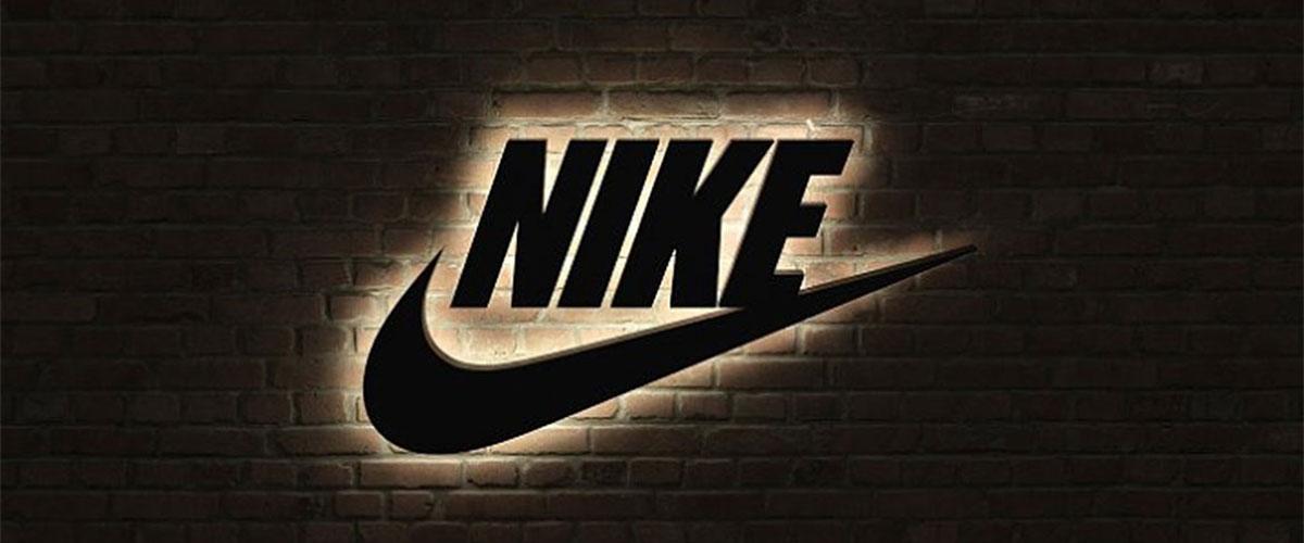 Nike Sportschuhe & Sportbekleidung