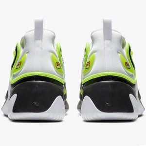 6b15506f09fe75 Nike Zoom 2K Herren Sneaker weiß schwarz neon AO0269 004 – Bild 4