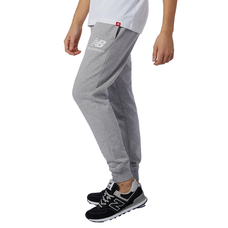 New Balance Essentials Stack Logo Slim Sweatpant grau MP11507 AG