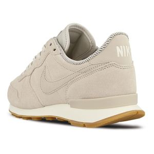 Nike WMNS Internationalist SE Damen Sneaker light bone – Bild 3