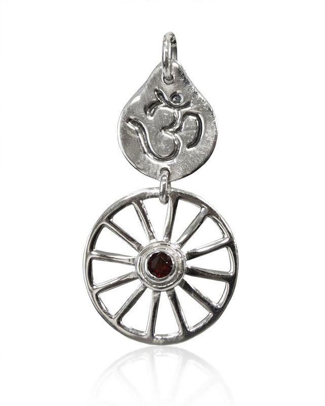 Schmuck Anhänger Kosmisches Rad mit Om Symbol 32 mm aus Silber und Mineralstein Granat dunkel rot lila, Rad des Lebens