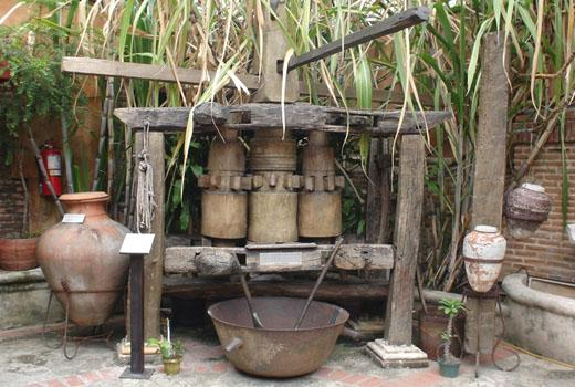 historische Zuckerrohrpresse