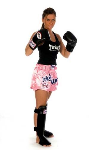 TWINS Kick- Thaiboxing Shorts rosa mit Girl Power und Schleifen TTBL-016
