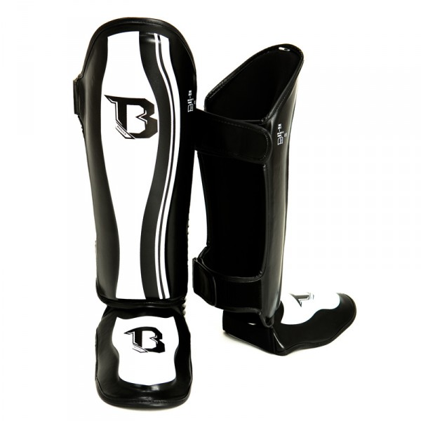Booster Pro Range  Muay Thai shin guards black white  BSG-2 skintex   S-XL