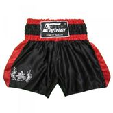 4Fighter Shorts Muay Thai Classic negro-rojo con la 4Fighter logo en la pierna
