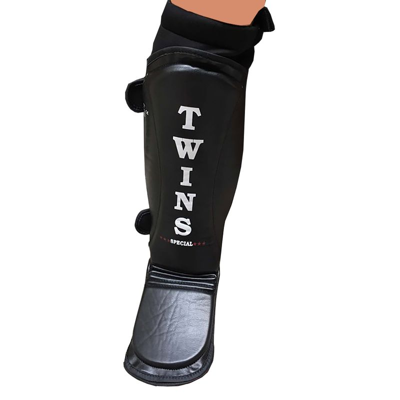 Twins MMA foot and shin guard black super light and perfectly fitting on the leg with neopren – image 1