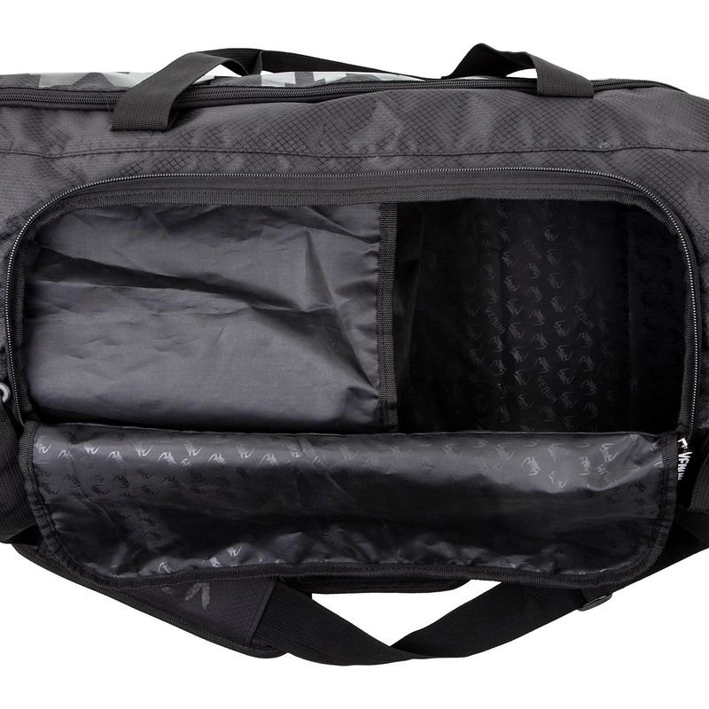 Venum Sparring Sports Bag - negro / negro – Bild 4