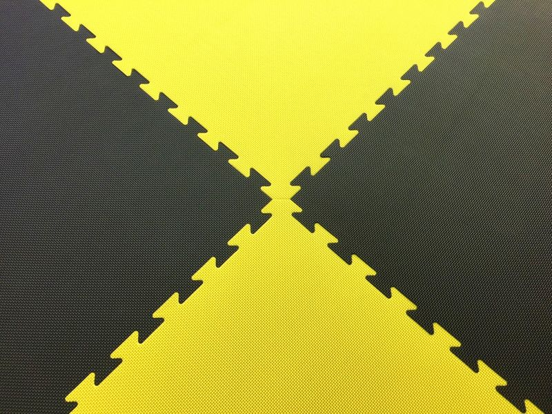 4Fighter 2cm martial arts mat DOUBLE CROSS yellow-black – image 3