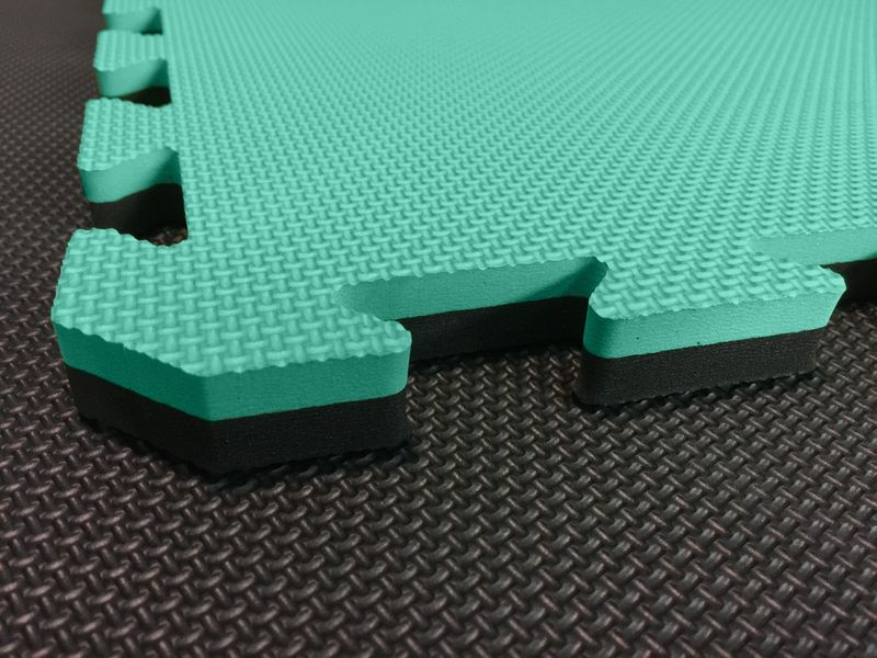 4Fighter 2cm martial arts mat DOUBLE CROSS activegreen-black – image 1