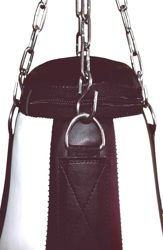 4Fighter Profi Kunstleder Boxsack / Sandsack Teardrop  - schwarz/weiß, gefüllt 90cm – Bild 3
