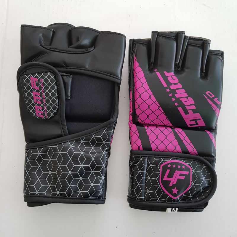 4Fighter MMA / Freefight gloves in black and pink cage design