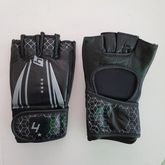 4Fighter MMA / Freefight Gloves black with gray Arrow Design
