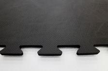 4Fighter Cross  Mat Bodenschutzmatte schwarz 100 x 100 x 1 cm B-Ware