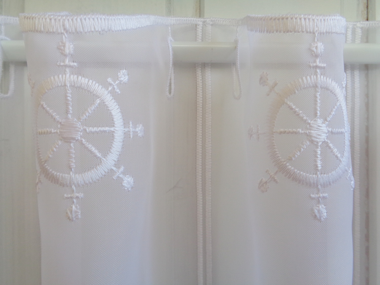 scheibengardine maritim steuerrad wei 30 cm 45 oder 60 cm hoch ab 1 meter. Black Bedroom Furniture Sets. Home Design Ideas