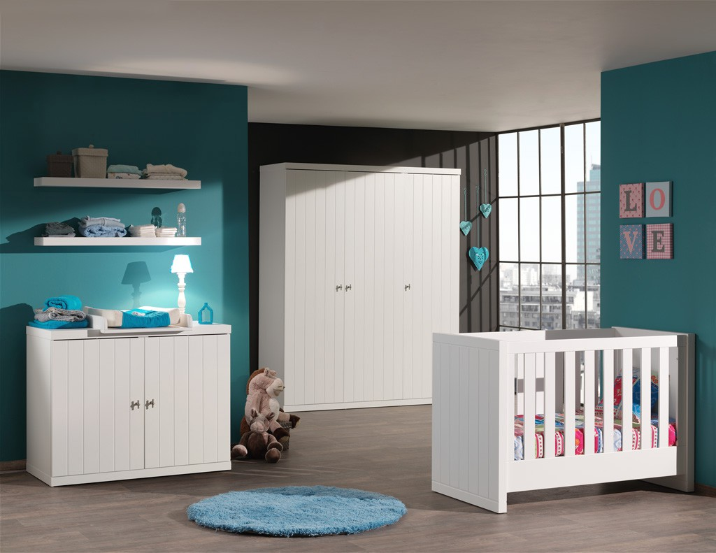 babyzimmer robin komplett mit babybett kleiderschrank 3 t rig kommode wickelaufsatz und. Black Bedroom Furniture Sets. Home Design Ideas