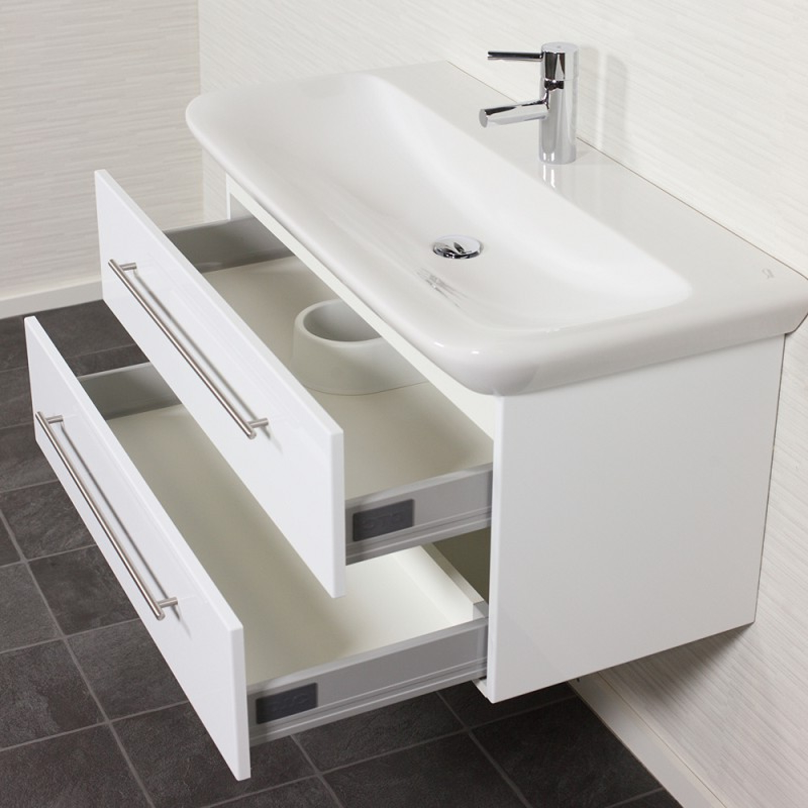 bad waschtisch mit keramag becken myday 2 ausz ge 100. Black Bedroom Furniture Sets. Home Design Ideas