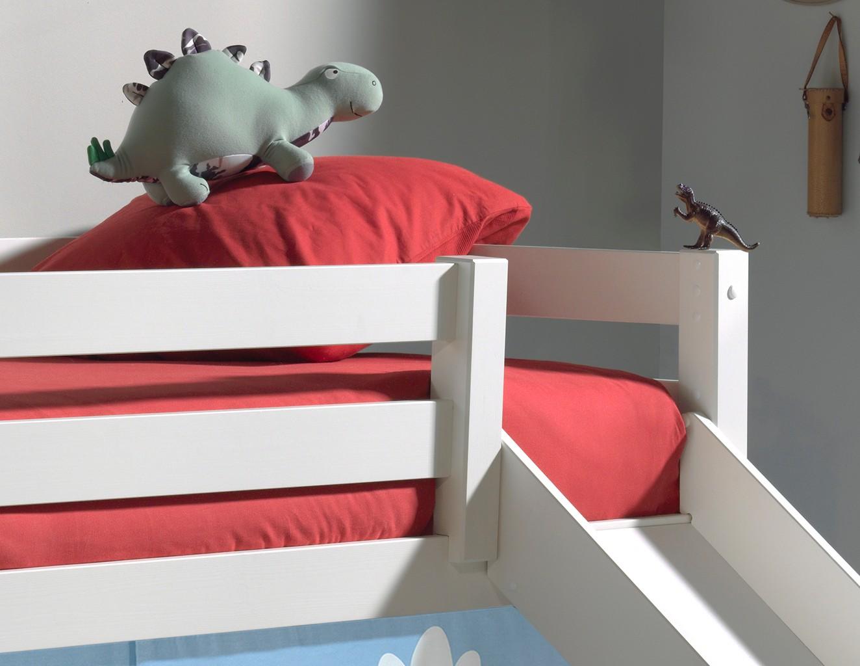 spielbett pino dinos mit rutsche liegefl che 90 x 200. Black Bedroom Furniture Sets. Home Design Ideas