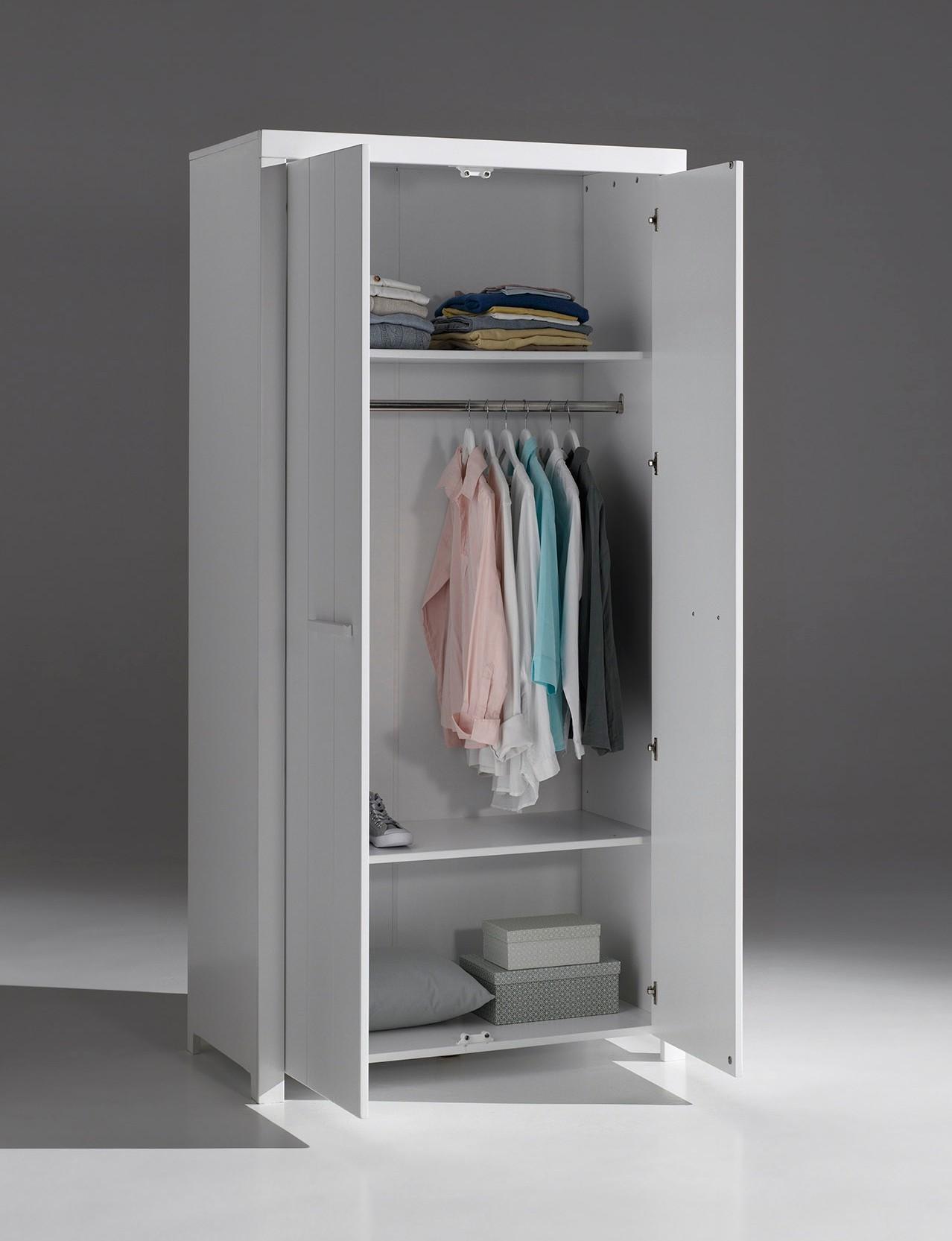 Kleiderschrank 2 Türig Weiß : kleiderschrank erik 2 t rig wei kinder kleiderschr nke ~ Watch28wear.com Haus und Dekorationen