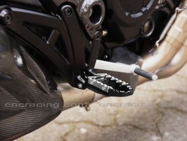 touring pegs kit black CNC Racing for Ducati Diavel – Image 4