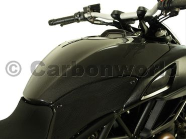 fuel tank cover carbon mat for Ducati Diavel – Image 2