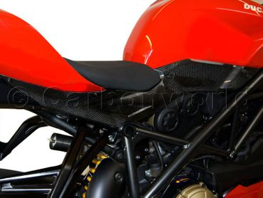 sidepanels carbon mat for Ducati Streetfighter – Image 2