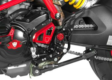 Adjustable rear sets black CNC Racing for Ducati Hypermotard 821 – Image 3