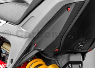 Viteria fianchetti e codone rosso CNC Racing per Ducati Hypermotard 821 – Image 4