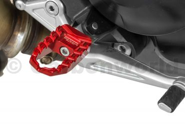 reposes pieds rouge CNC Racing pour Ducati Hypermotrad 821