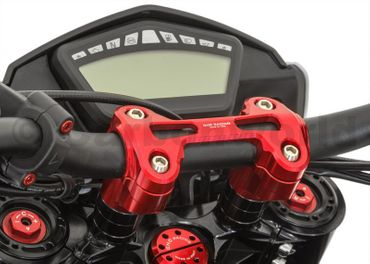 Riser (-20 mm, Ø22) completo rosso CNC Racing per Ducati Hyperstrada 821 – Image 1