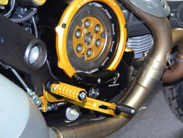Clutch cover for oil bath clutch gold/black Ducabike for Ducati Monster, Hypermotard – Image 3