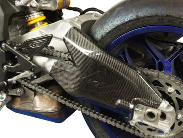 Copri forcellone carbonio per Yamaha YZF-R1 – Image 2