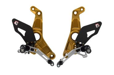 Kit repose pieds or/argent Ducabike pour Ducati Monster 1200 R – Image 1