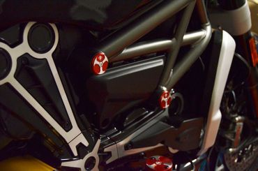 Frame plugs red Ducabike for Ducati XDiavel – Image 2