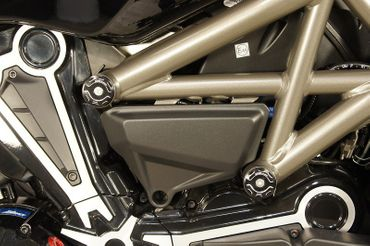 tappi telaio kit rosso CNC Racing per Ducati XDiavel – Image 5