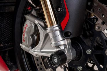 shaft guard frontwheel black CNC Racing for MV Agusta – Image 2